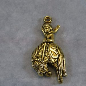 Pendentif cowboy rodéo sur son cheval doré – lot de 8