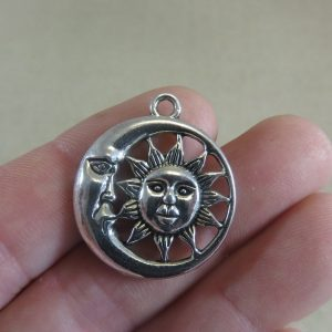 Pendentifs soleil lune argenté 30x26mm céleste – lot de 2