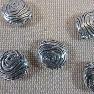 Perles gravé spirale argenté 15mm en métal – lot de 5