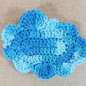 écusson nuage bleu crocheté – patch à coudre au crochet