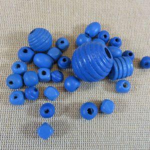 Perles en bois bleu différentes formes – lot de 30