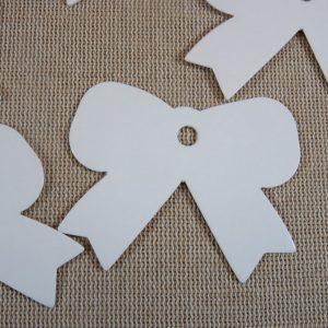 Étiquettes nœud papillon 57x46mm carton blanc – lot de 10
