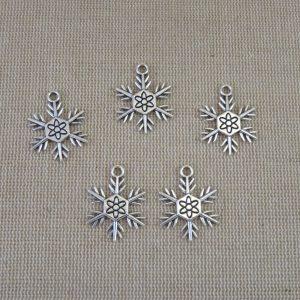 Pendentifs flocon de neige argenté 24mm en métal – lot de 5