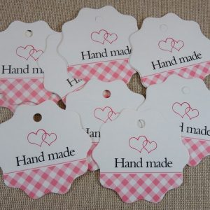 Étiquettes cadeaux marquage prix cœurs carreaux rose – lot de 10