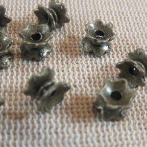 Coupelles fleur double bronze 6mm perle entretoise – lot de 15