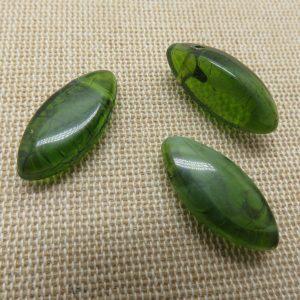 Perles marquise résine verte effet Jade 24x10mm – lot de 3