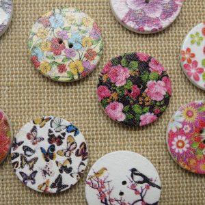 Boutons bois fleur 20mm imprimé multicolore – lot de 10