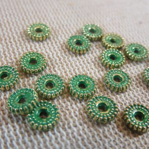Perles plate bronze patiné 6mm en métal – lot de 20