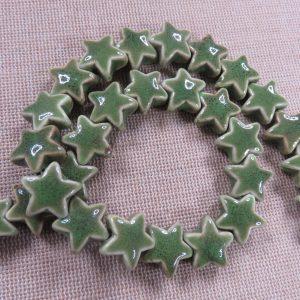 Perles étoile céramique verte 15mm – lot de 5