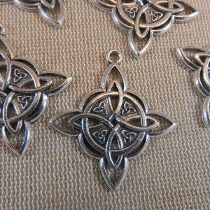 Pendentifs losange nœud celtique argenté en métal – lot de 5