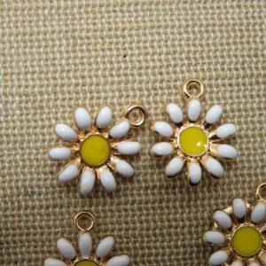 Breloques marguerite métal émaillé pendentif fleur 16mm – lot de 4