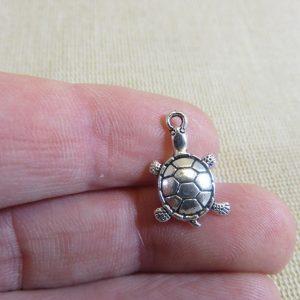 Breloques tortue de mer argenté 19x12mm – lot de 8