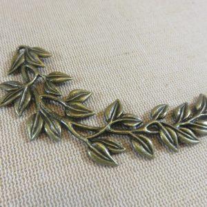 Pendentif branche feuille bronze 87x38mm
