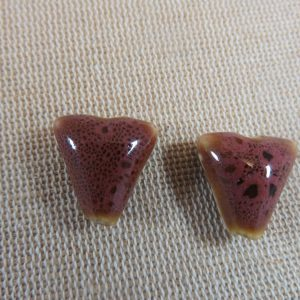 Perles triangle marron céramique 17mm bohème – lot de 2