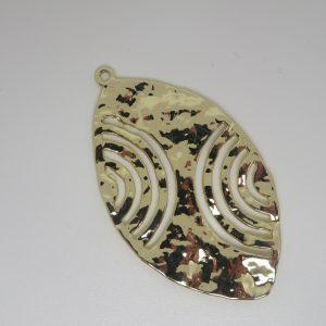 Pendentif feuille doré ajouré martelé 50mm pour bijoux