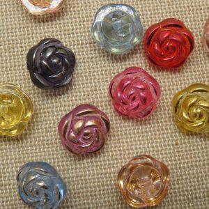 Boutons fleur relief 13mm multicolore en acrylique – lot de 10