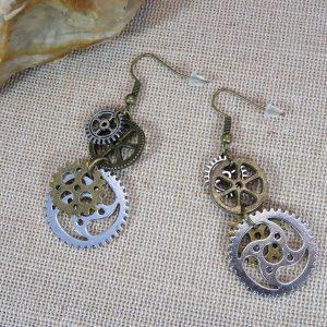 Bijoux steampunk boucles d'oreille femme engrenage bronze et argenté