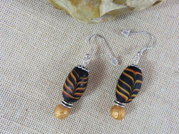 Boucles d'oreille ethnique grosse perles noir et doré - bijoux femme