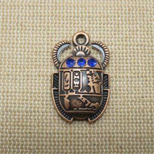 Pendentif Khéper scarabée égyptien cuivre strass bleu saphir 25mm hiéroglyphe