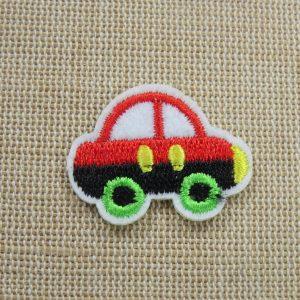 Patch voiture rouge écusson automobile thermocollant