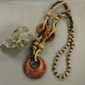 Grand collier ethnique sautoir – bijoux femme avec perles en bois