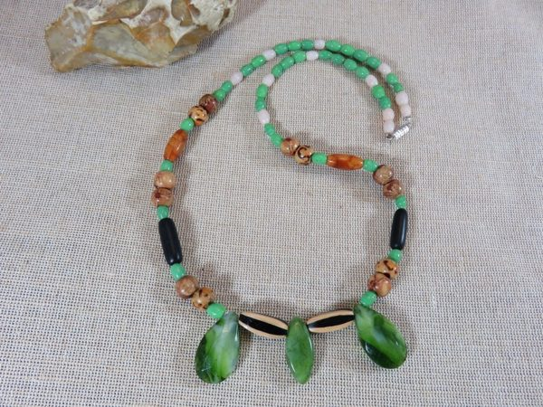 Collier bohème perlé en bois et résine - bijoux Unique pour femme