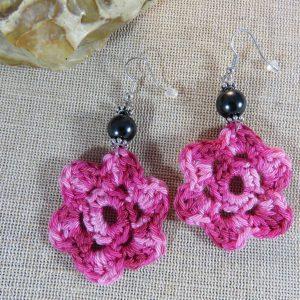 boucles d'oreille crocheté fleur rose – bijoux textile cadeaux femme