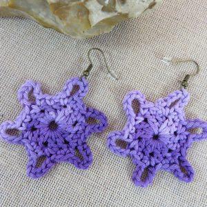 Boucles d'oreille étoile violet crocheté coton – bijoux textile femme