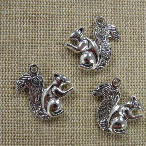 Pendentifs écureuil argenté 20mm en métal – lot de 3