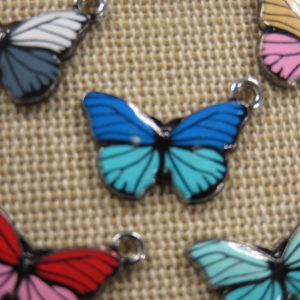 Breloques papillon émaillé pendentif métal 20mm – lot de 5