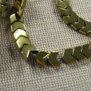 Perles tête flèche hématite or 6mm x 4mm – lot de 10