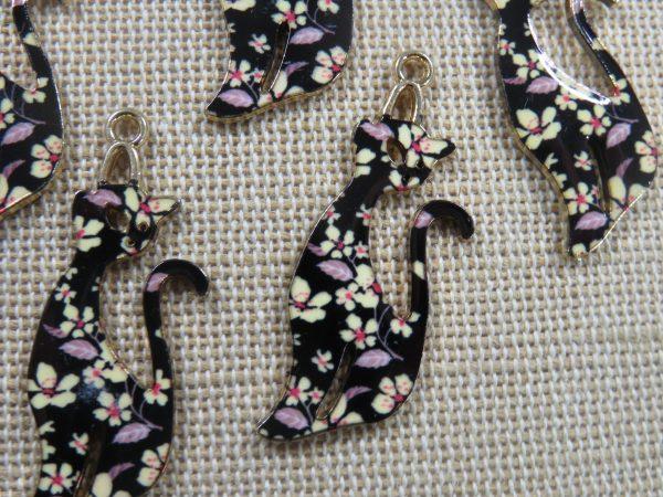 Pendentifs chat noir fleuri émaillé style rétro 37mm - lot de 5