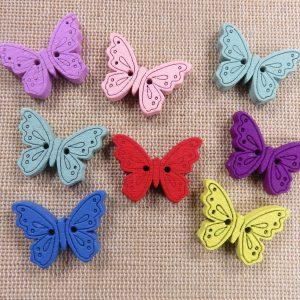 Boutons en bois papillon multicolore 24mmx18mm – lot de 10 bouton de couture