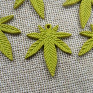 Pendentifs feuille jaune breloque cannabis métal 25mm – lot de 5