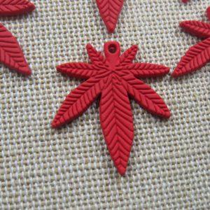 Pendentifs feuille rouge breloque cannabis métal 25mm – lot de 5