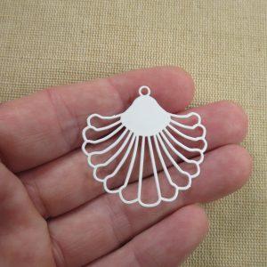 Pendentif éventail blanc filigrané en métal, création bijoux DIY