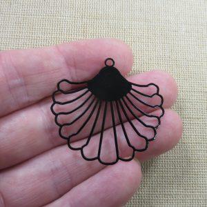 Pendentif éventail noir filigrané en métal, création bijoux DIY