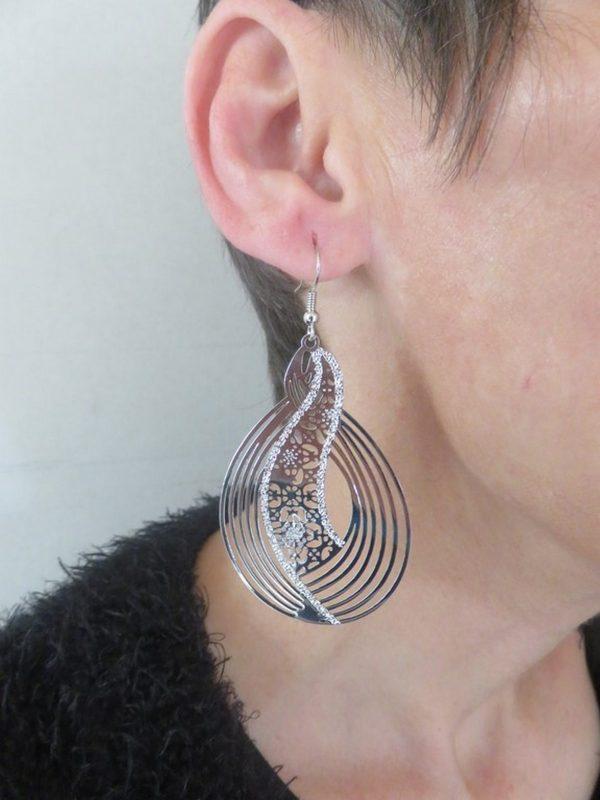 Boucles d'oreille goutte fleuri argenté, bijoux pour femme