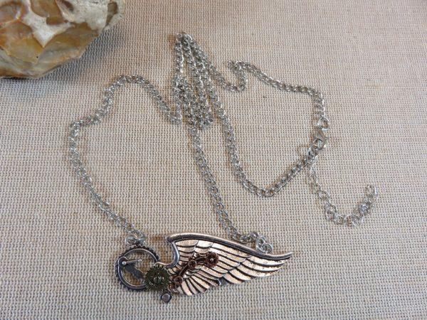 Steampunk collier aile d'ange engrenage, bijoux femme